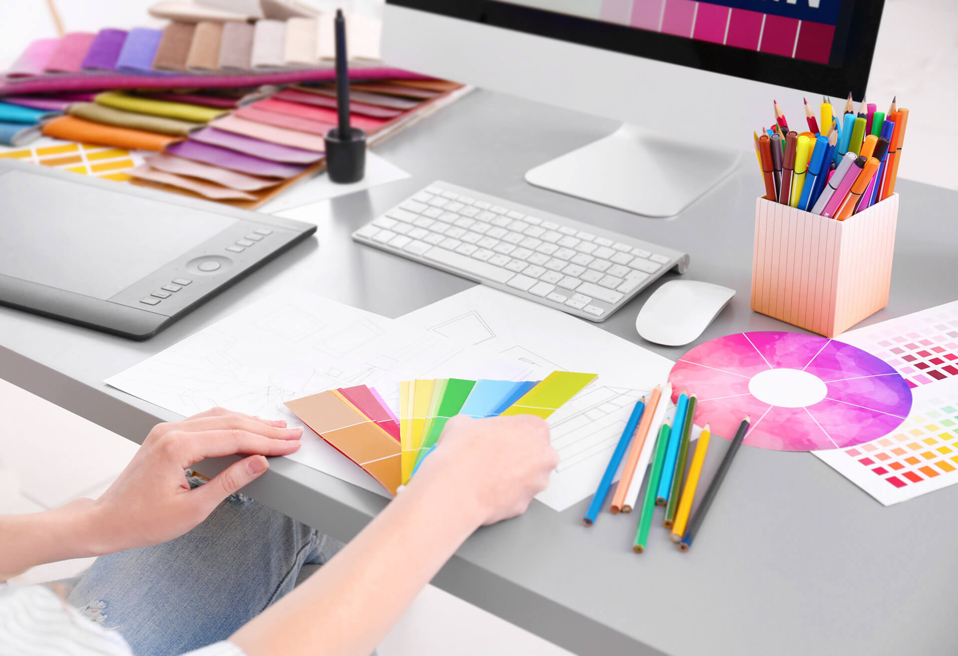 これからパーソナルカラーの技術を習得される方のための、さまざまな教材をご用意しております。